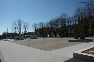 Piazza Montale 02